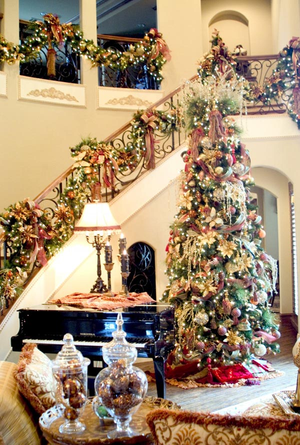Christmas and holiday design and decorating services in central PA.
