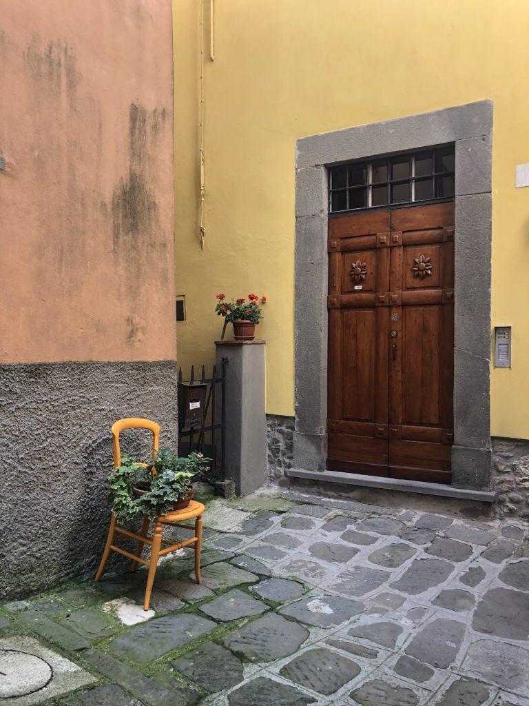 Sherri Blum Celebrity Artist and Designer in Tuscany Italy